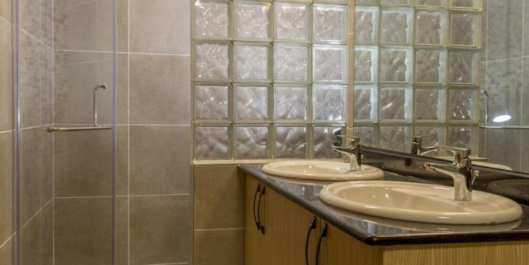 06 Masterbathroom